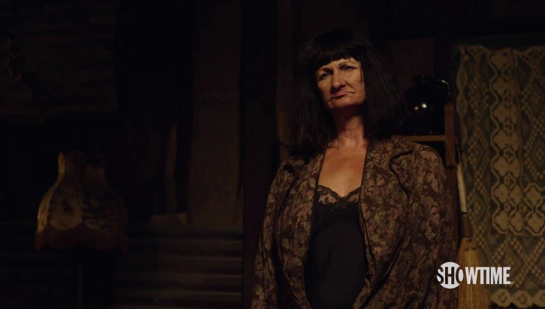 new-twin-peaks-teaser-old-lady-785x446
