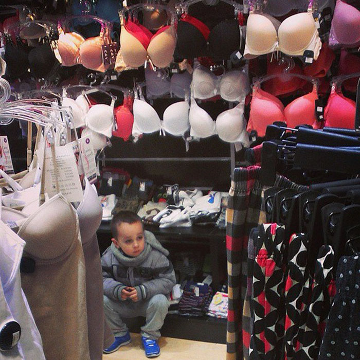 funny-miserable-men-shopping-photos-16-5bff9bf92dfb1__700
