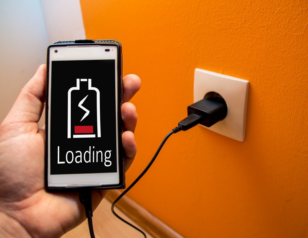 charging-the-battery-2815741_1280