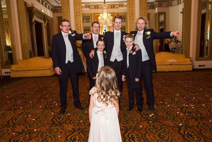 funny-wedding-photography-ian-weldon-142-5d4155d7363b1__700