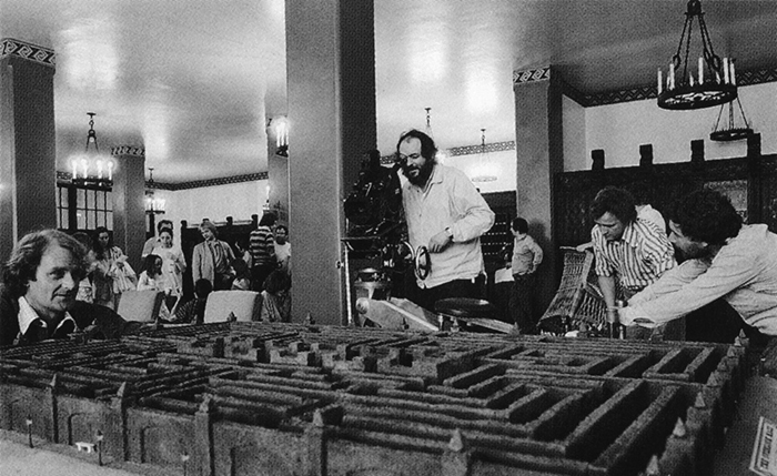 behind-the-scenes-of-hollywood-movies-11-5d1b517caeb8d__700