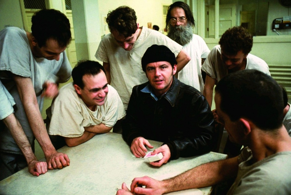 Luchshie-filmyi-v-retsenziyah-Proletaya-nad-gnezdom-kukushki-One-Flew-Over-the-Cuckoo-s-Nest-1975-2
