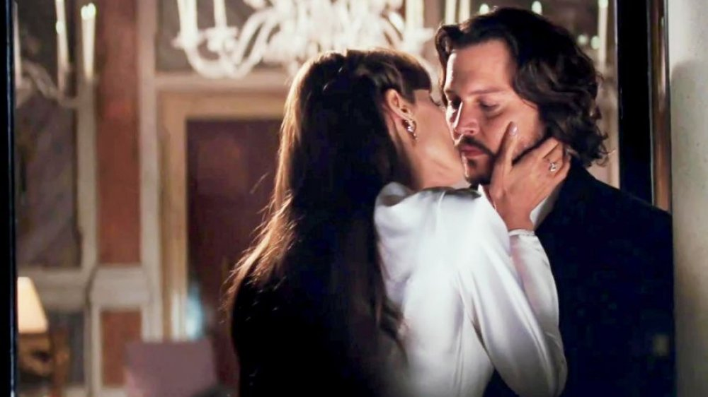 johnny-depp-and-angelina-jolie-in-the-tourist-2010-1576080570