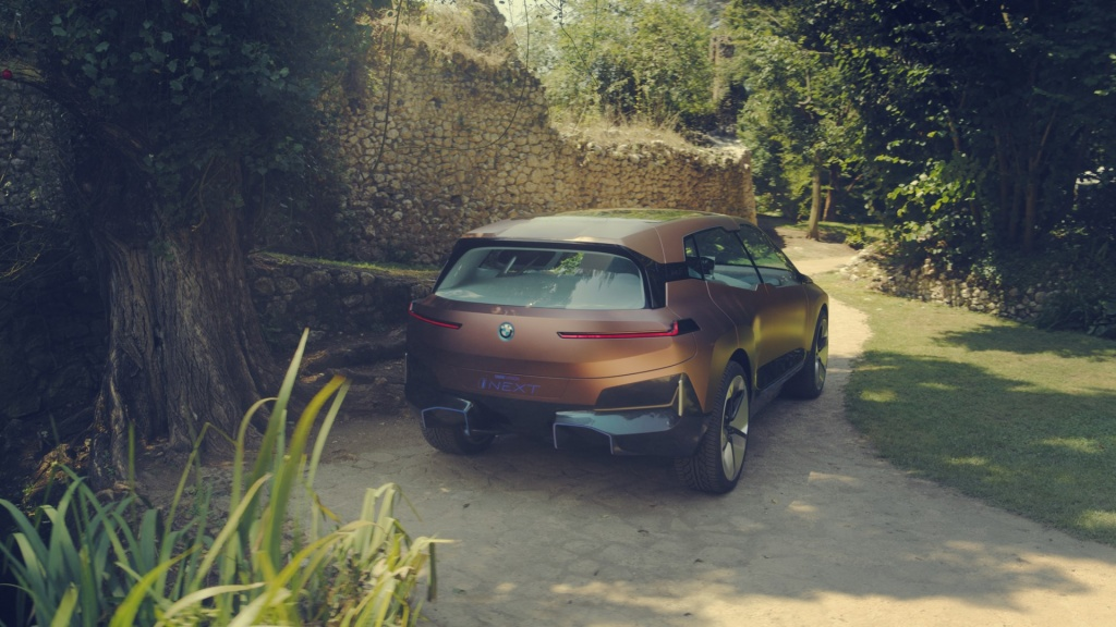 BMW-Vision-iNext-Concept-19